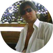 Олег — частный инструктор по вождению