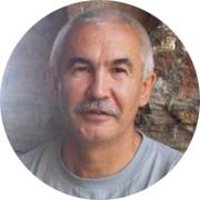 Динил Асфарович Арсланов — частный инструктор по вождению